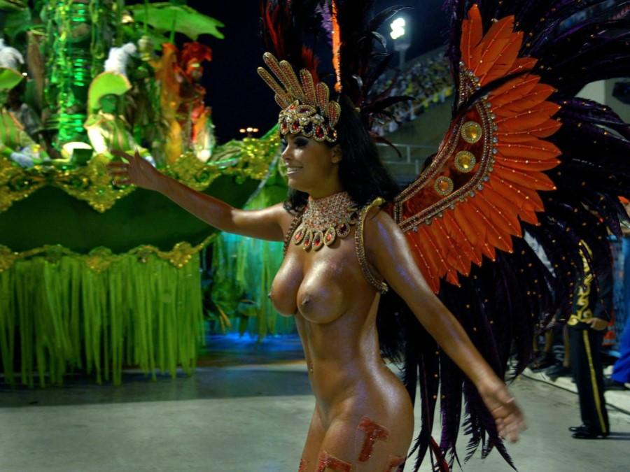 На карнавале ебля в бразилии — 15