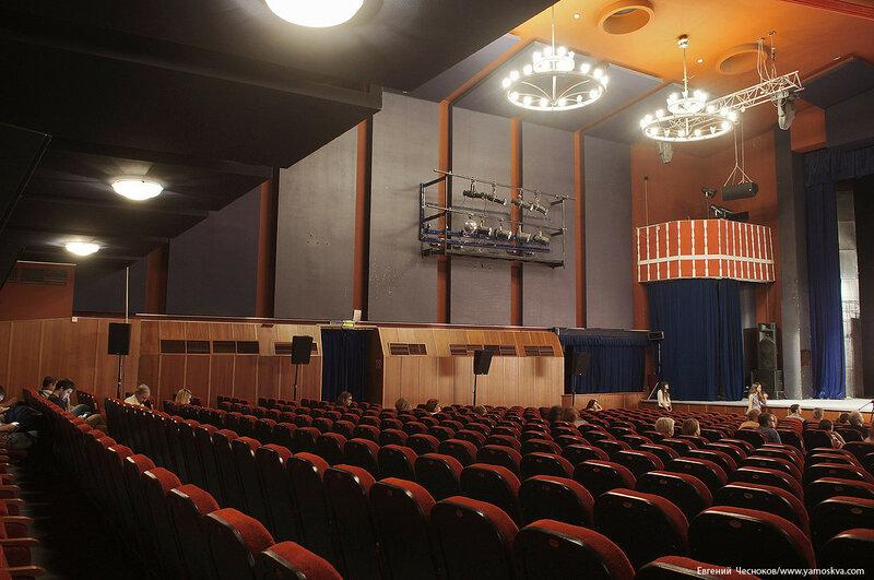 Лето. Поварская. Театр киноактера. 30.06.16.02..jpg