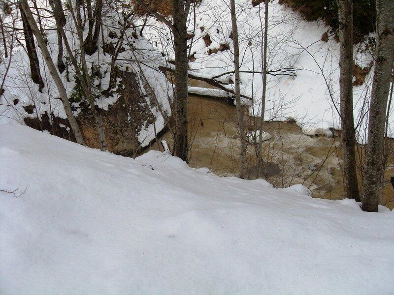 Снега у быстрых вод ... SDC18703.JPG