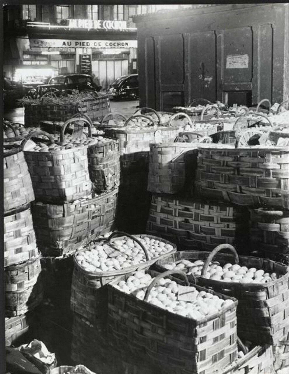 1931. Ле-Аль ночью. Корзинки с грибами и ресторан «Свинная нога»