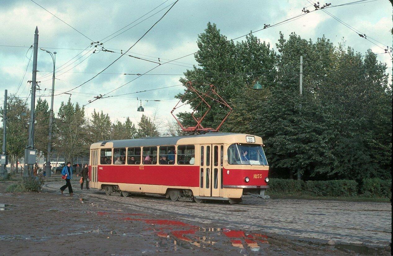 Конечная остановка трамвая Университет