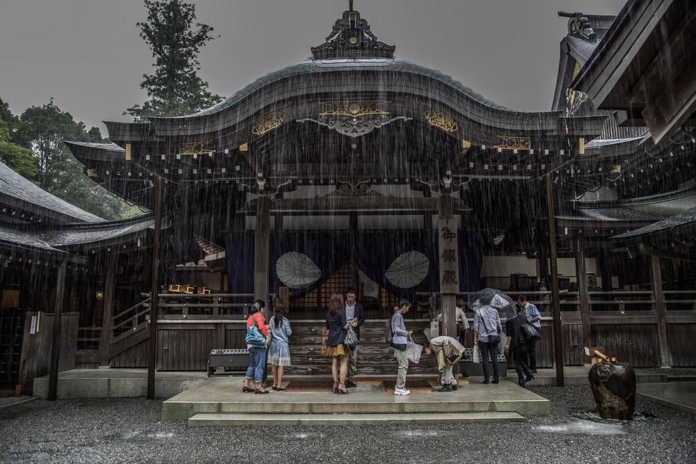 Замечательные снимки Японии в сезон дождей