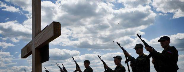 Возмущенные ДТП жители Донбасса пытались взорвать боевиков их собственным гранатометом