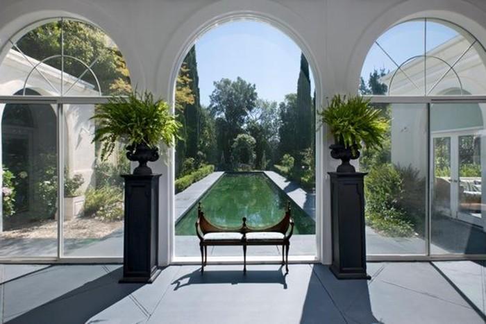 Гвинет Пэлтроу купила недвижимость в Санта-Барбаре