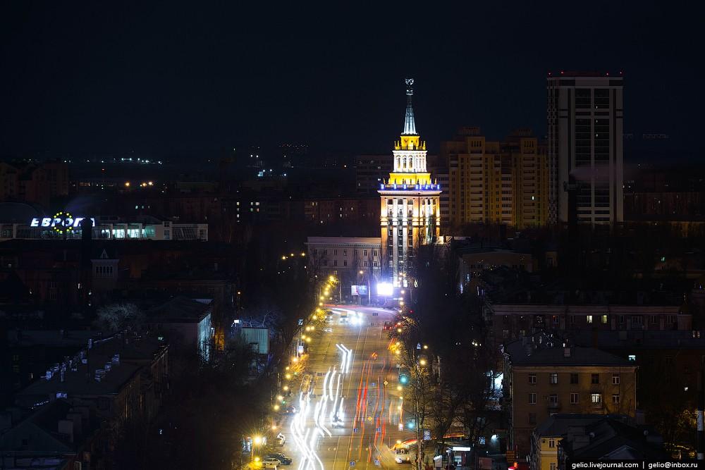 Жилой дом по Кольцовской улице, 82. Также известен как жилой дом Министерства станкостроительной и и