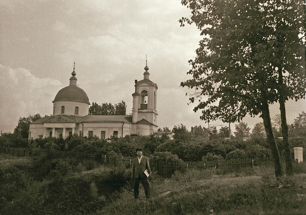 57198 Храм Троицы в Воробьях 1959 Корнильев Г.А..jpg