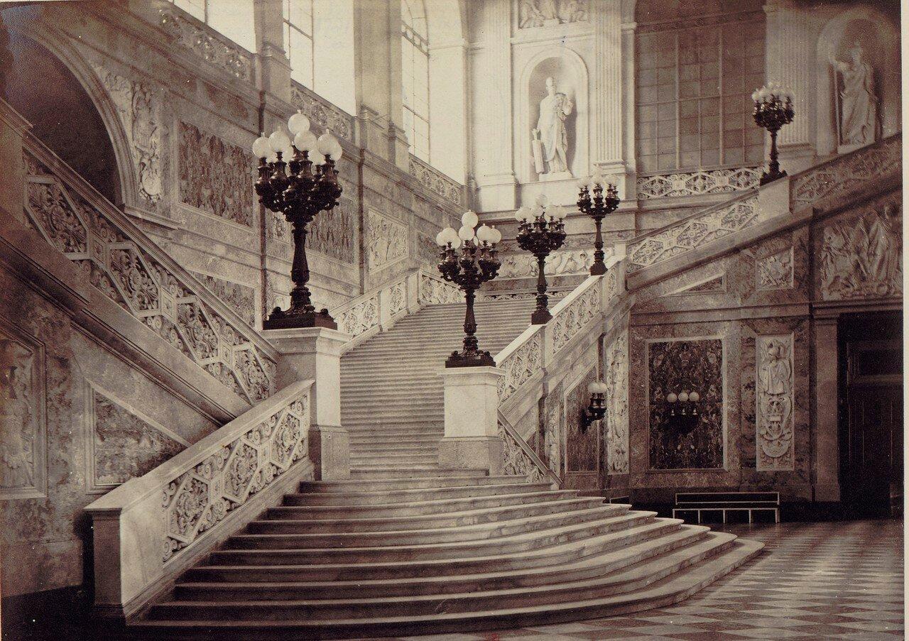 12. Королевский дворец (главная лестница)