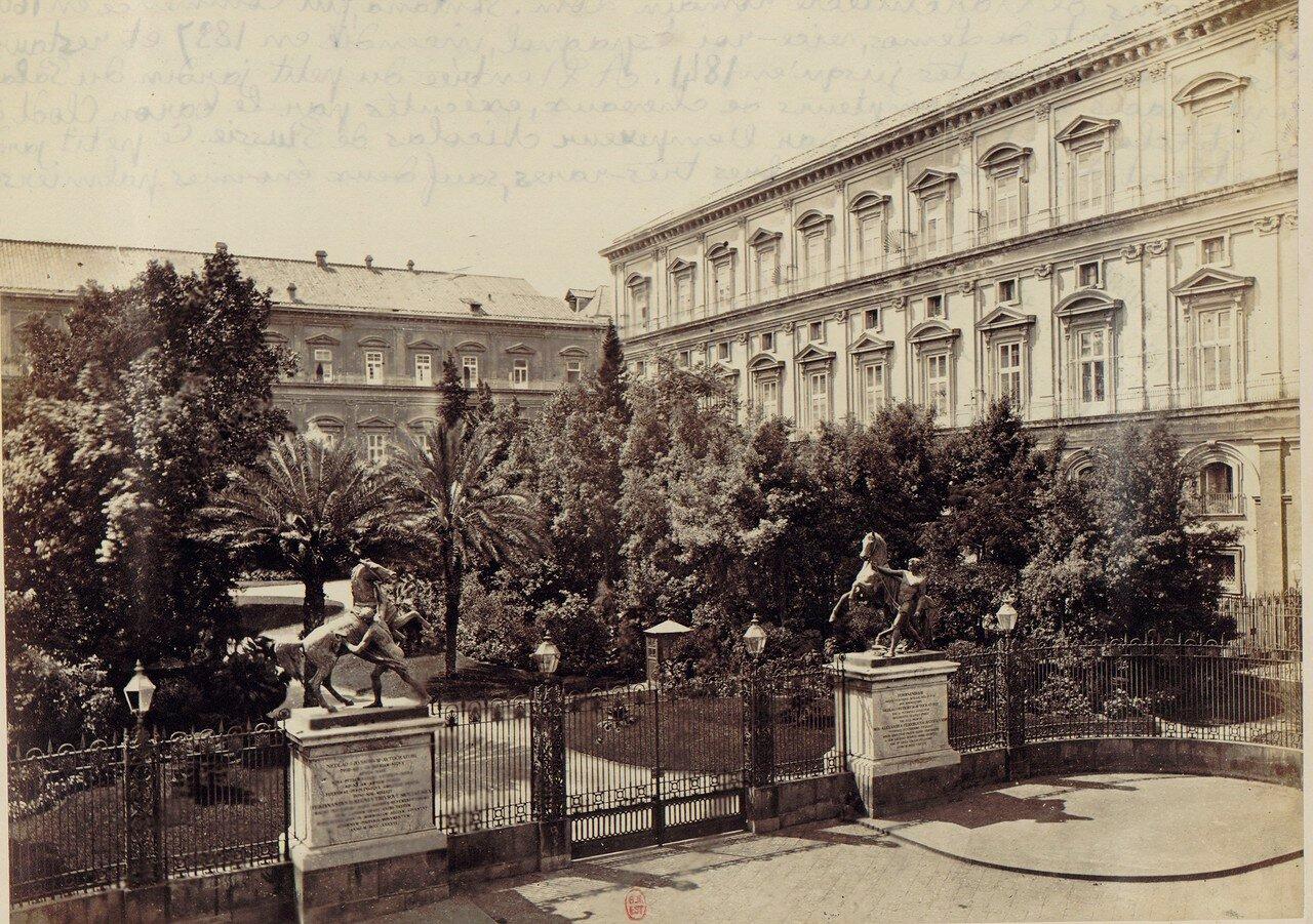 13. Королевский дворец и сад