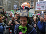 Марш налогов против Трампа, Нью-Йорк-2, 15.04.17.png