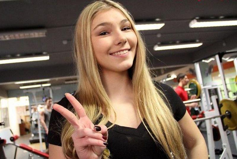 Тяжелоатлетка Марьяна Наумова.jpg