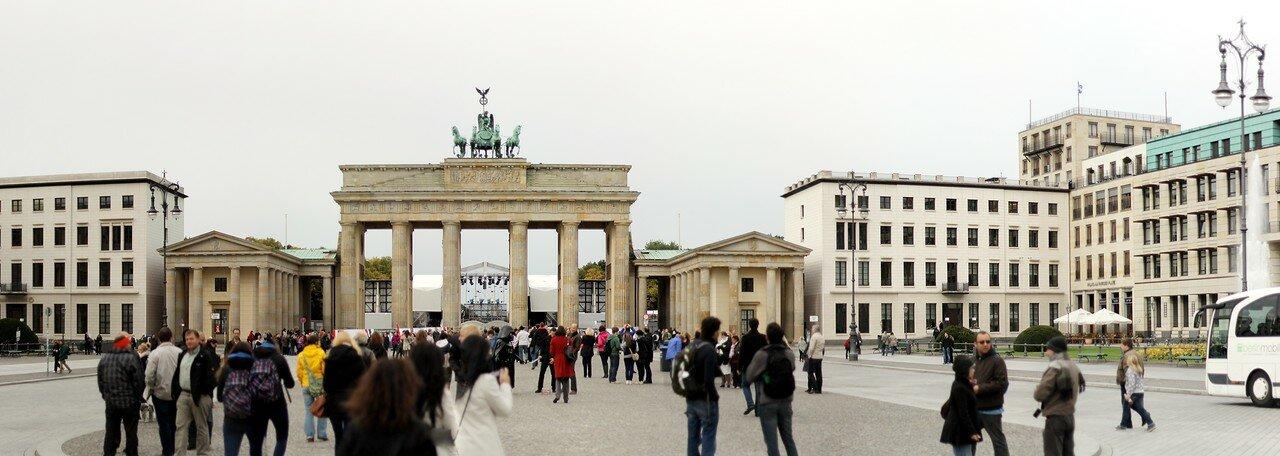 Brandenburg Gate, Berlin. Panorama