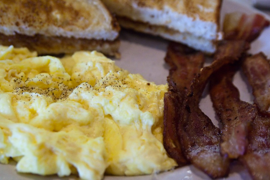 11. Приготовить вкусный омлет. Насыпьте немного крахмала в яйца, прежде чем взбивать их, и вы замети