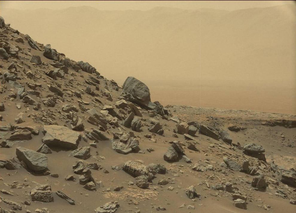 9. Марсианские пейзажи возле горы Шарп. (Фото JPL-Caltech | MSSS | NASA):