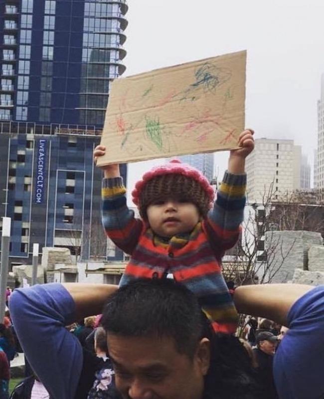 © reddit.com   Аэтот малыш смело проявляет себя вискусстве