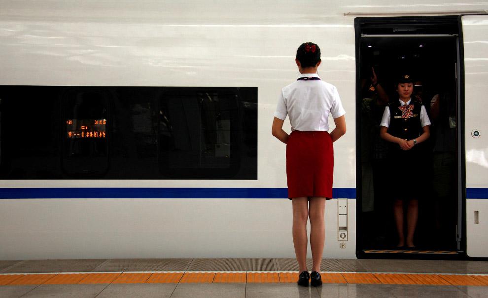 6. Мир создал на 2015 год 32 000 км высокоскоростных железных дорог, из которых в Китае построе