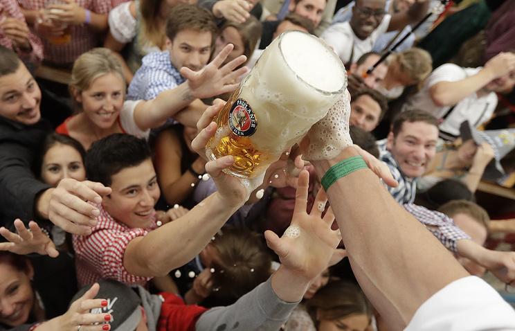 ВМюнхене открылся пивной фестиваль «Октоберфест»