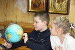 Цель урока - помочь детям осознать личную сопричастность в деле охраны природы и бережного отношения к Божьему творению. Ребята узнали, откуда берётся питьевая вода, в каких источниках она находится, её количество, а также о фауне речки Уча