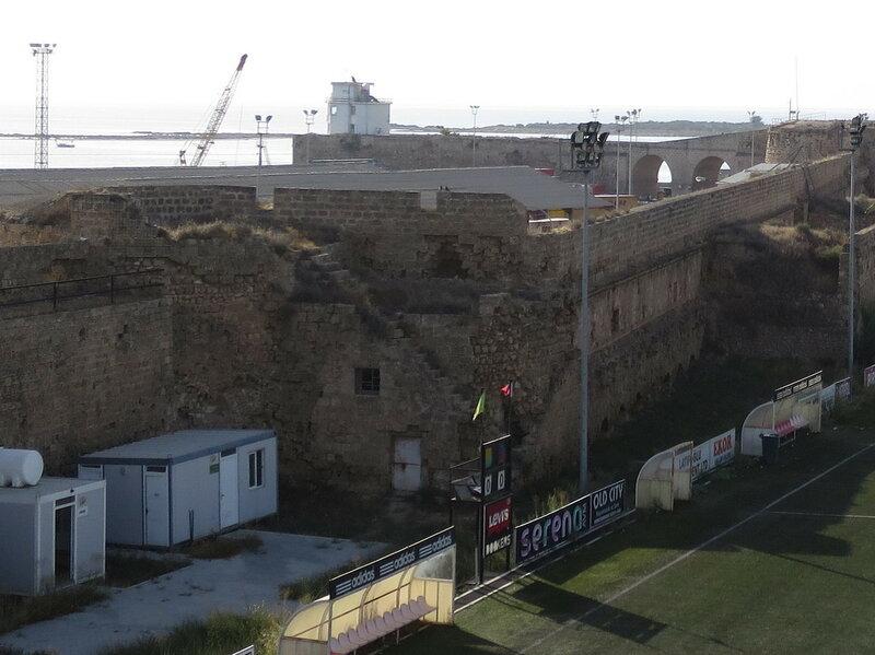 Фамагуста. Город. Внутренняя часть восточной стены, нижний уровень бойниц