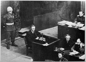 Фельдмаршал Паулюс в качестве свидетеля обвинения