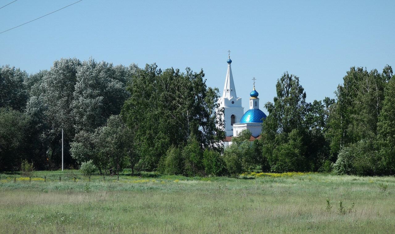 храм в Долгомостьево