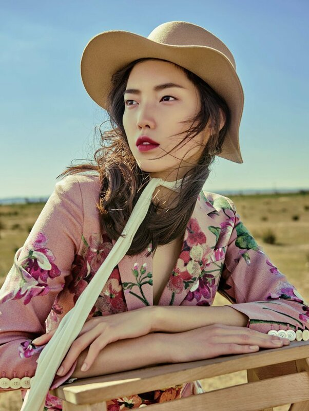 jessie-hsu-by-yin-chao-for-vogue-china-august-2015-1.jpg