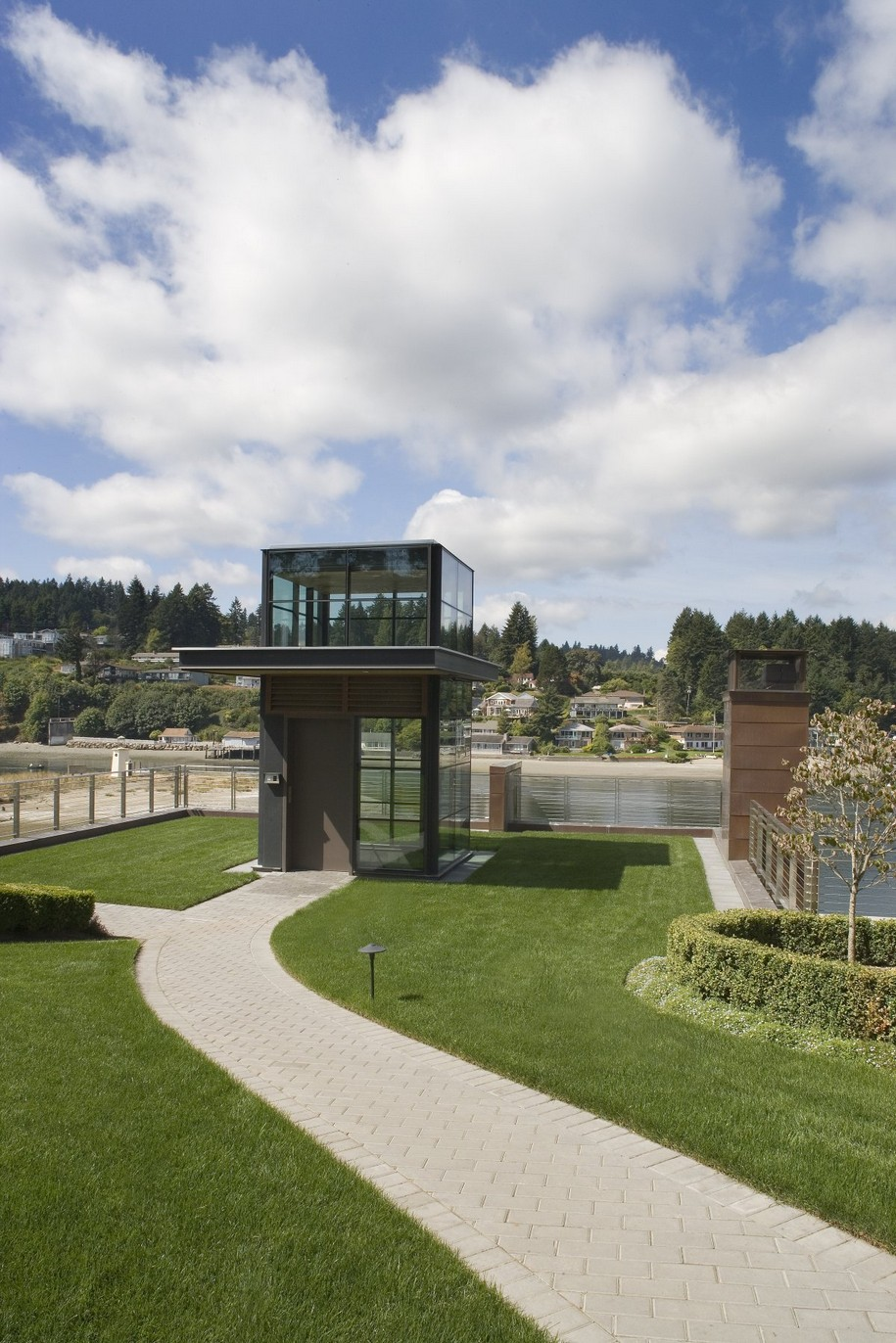 Cliff House в Гиг Харборе от Scott Allen Architecture