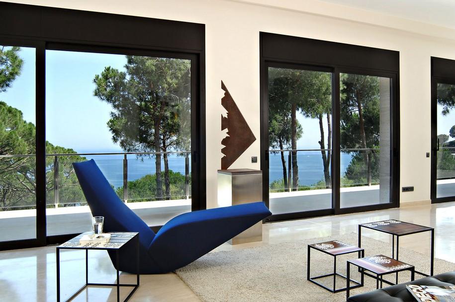 Шикарный частный дом на побережье Средиземного моря в Испании