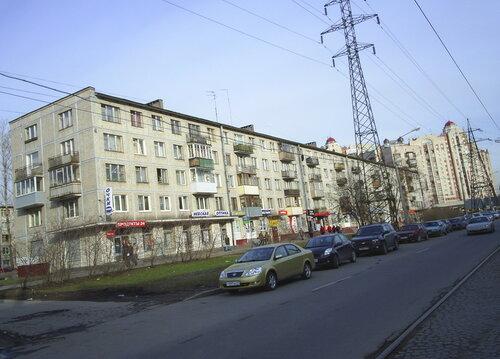 ул. Ленсовета 80