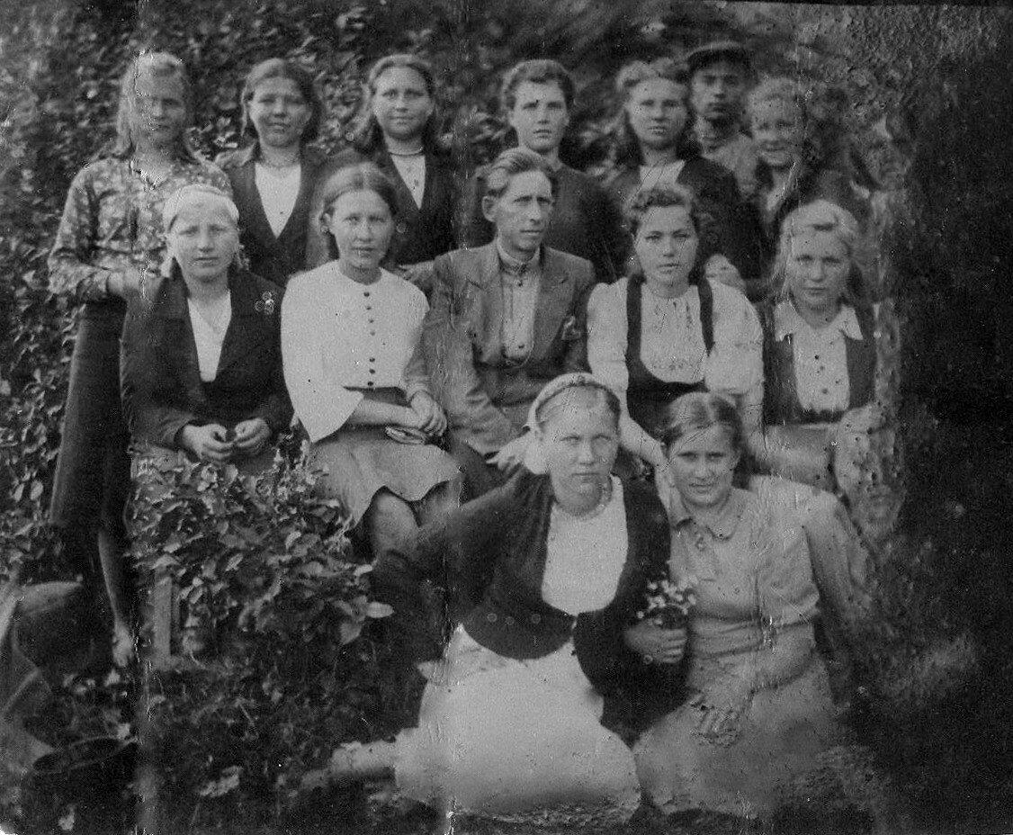 1940-е. Класс вечерней школы в с. Поречье