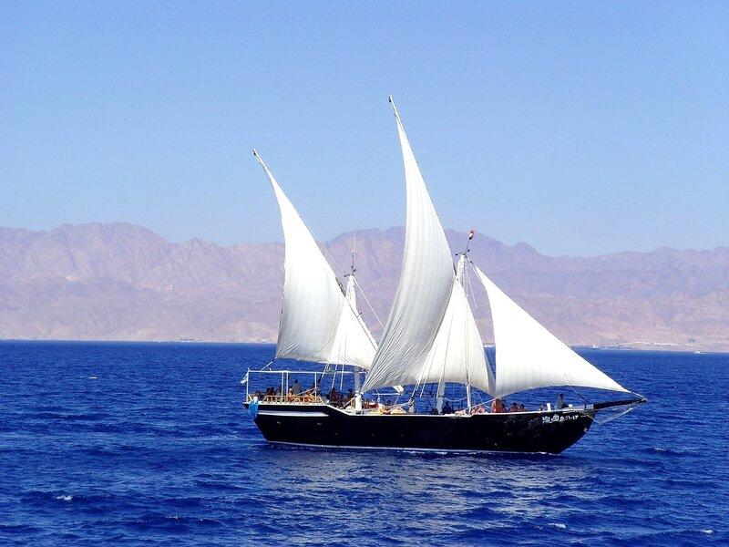 На всех парусах вдоль острова Фараона