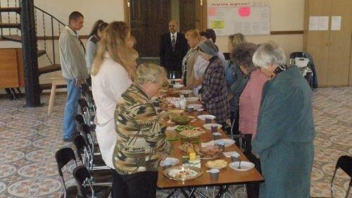 праздничный обед в церкви