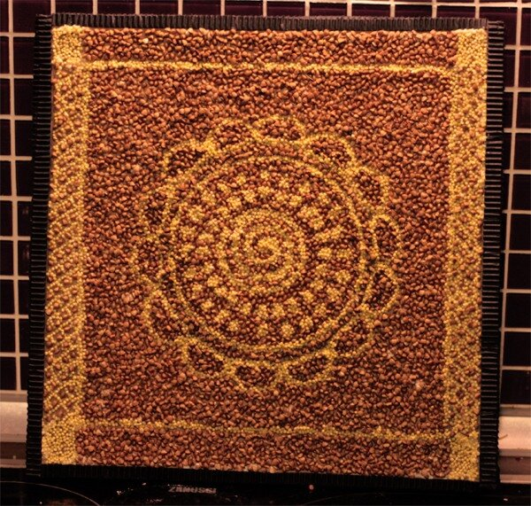 свой цитатник или сообщество!  Необыкновенная мозаика из круп.  Часть 1. Для создания мозаичных панно совершенно не...