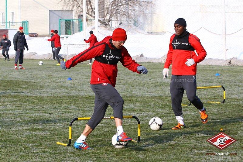 Спартаковцы тренируются в Тарасовке (Фото)