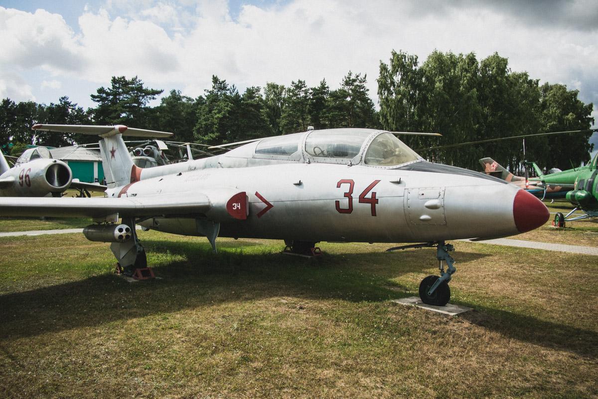 Л-29 «Дельфин» — это массовые учебные машины, на которых путевку в небо получали тысячи будущих пило