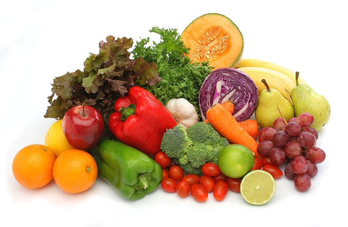3. Сырые овощи Сырые овощи содержат кислоты, которые в считаные секунды раздражают слизистую оболочк