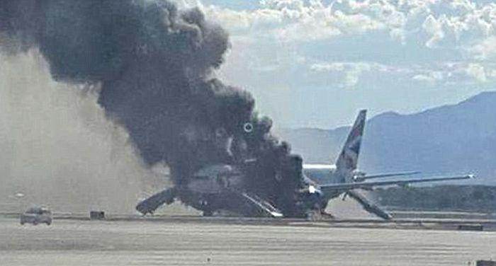 Британский пилот стал героем после того, как спас от гибели 170 человек