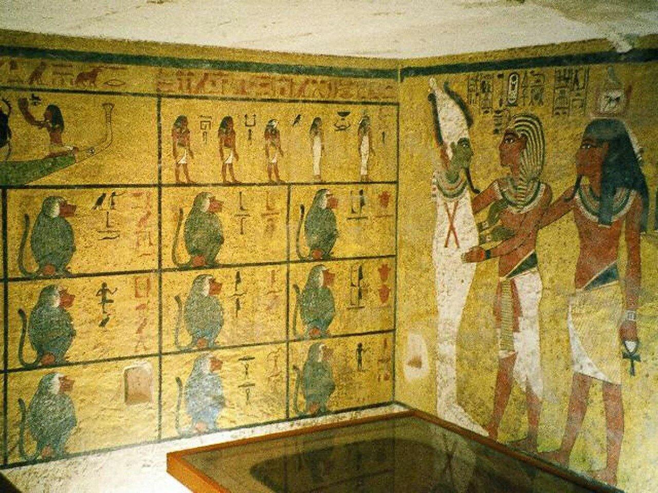 Роспись гробницы Тутанхамона с изображением бога Осириса