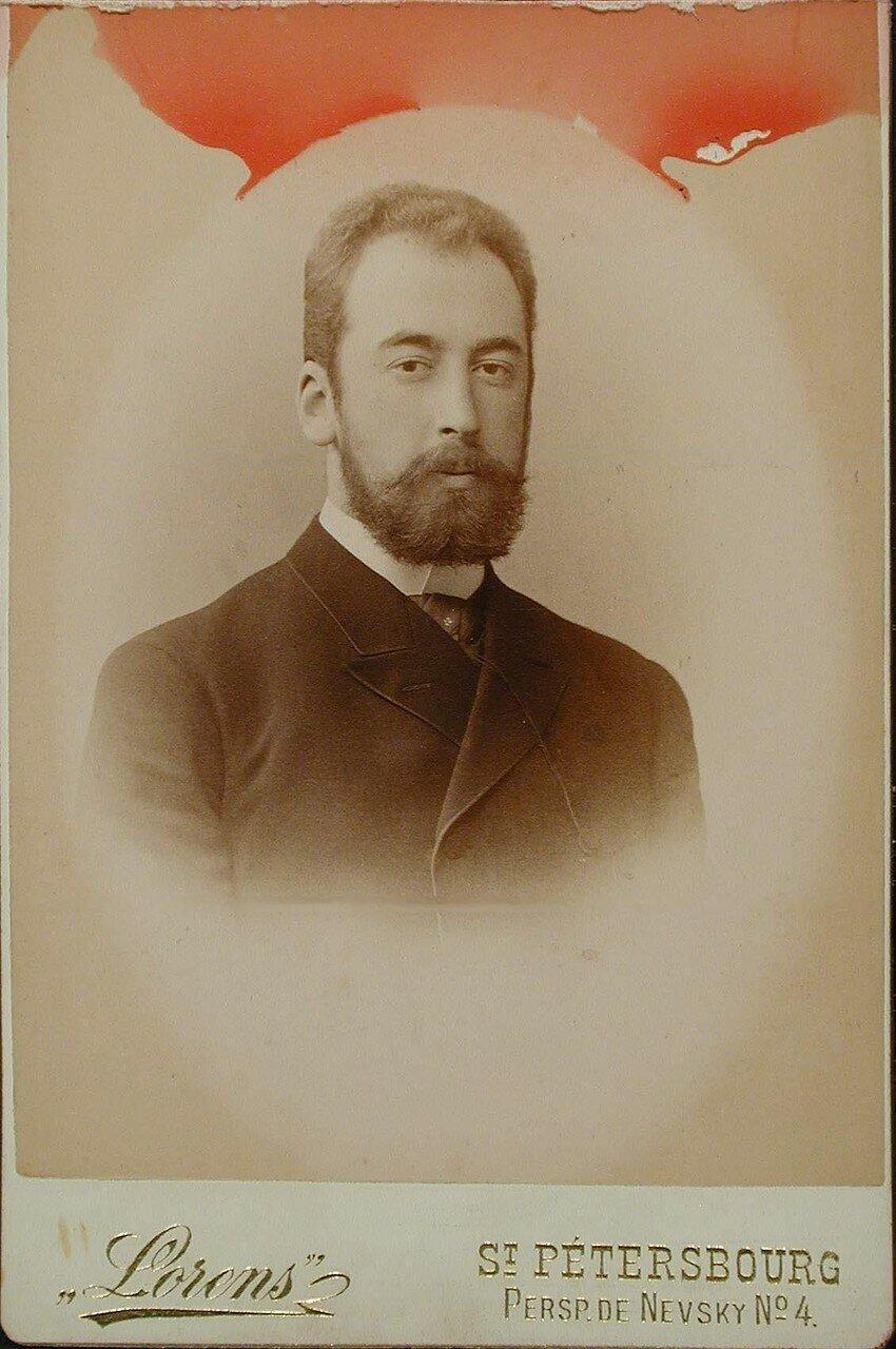 12. Гагарин Николай Николаевич (1861 - 1918) - князь. Ротмистр гвардии с 1892, полковник с 1897, генерал-майор с 1905, генерал-лейтенант с 1913.