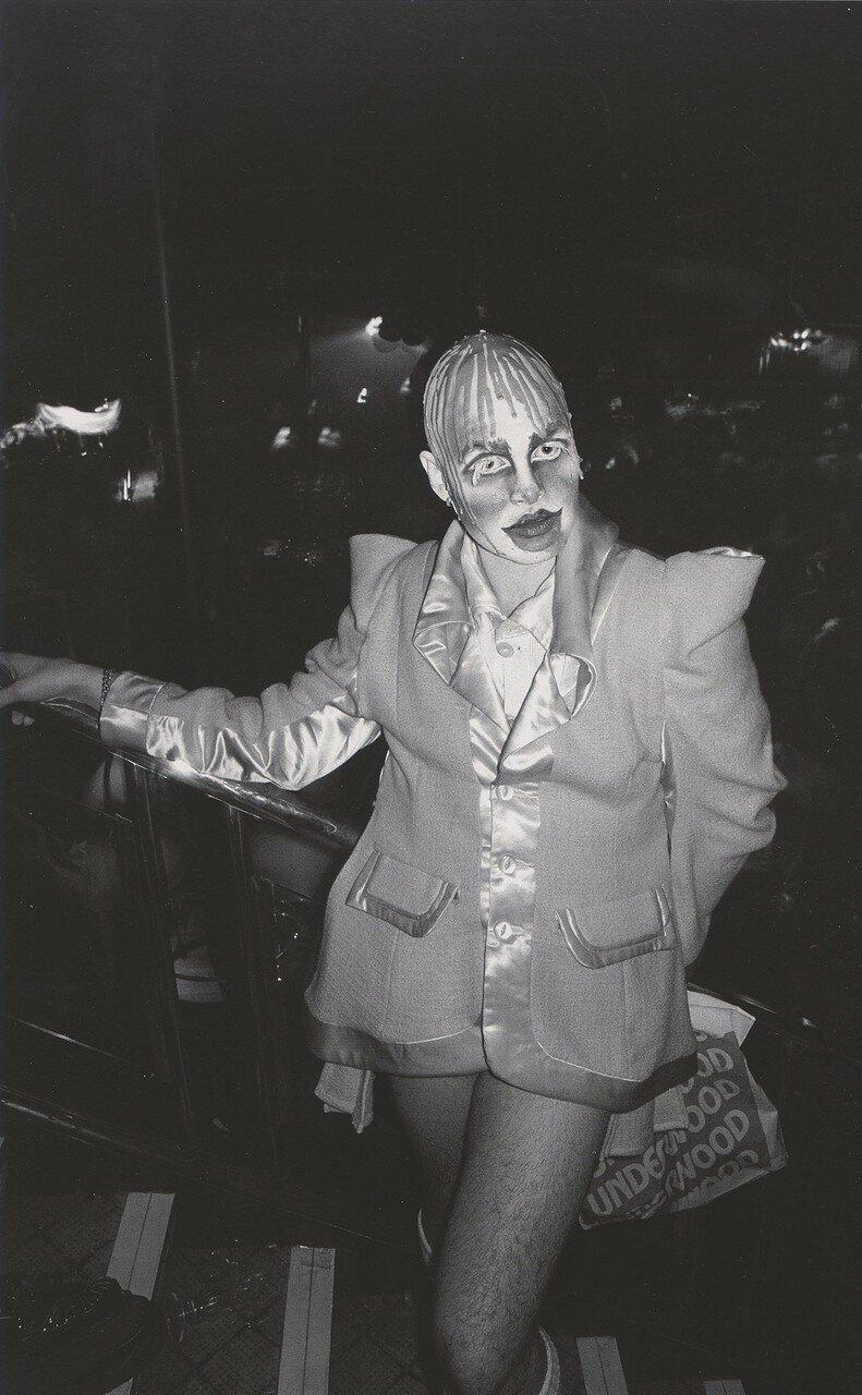 1985. Ли в «Табу»