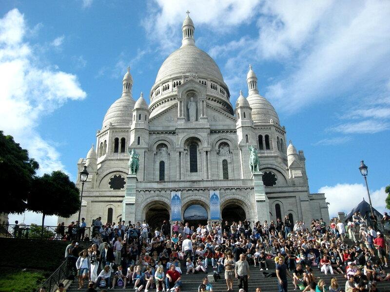Париж. Сакре-Кёр 14 июля 2010 года