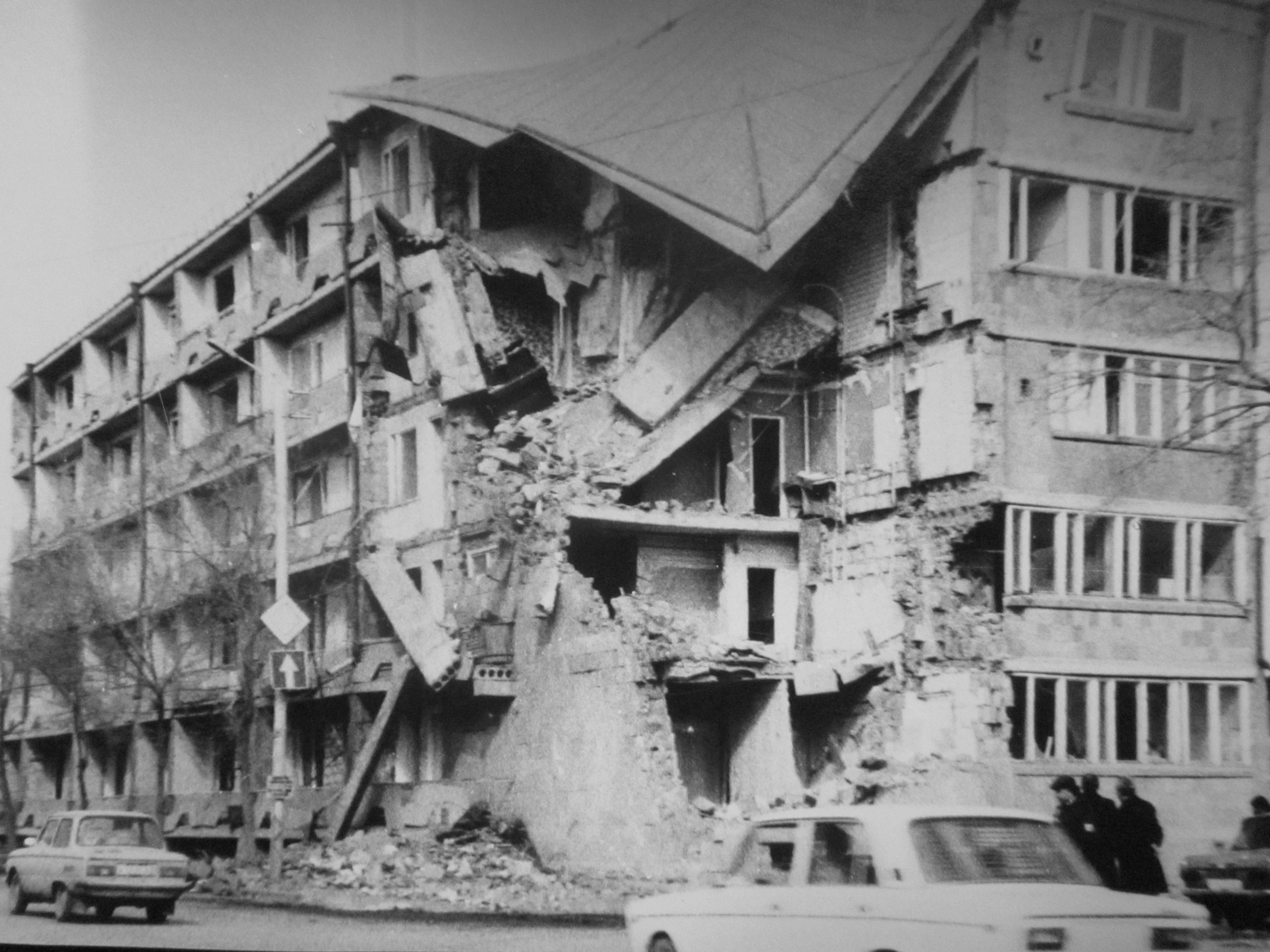 Ленинакан (ныне Гюмри) после землетрясения в Армении в декабре 1988 года.