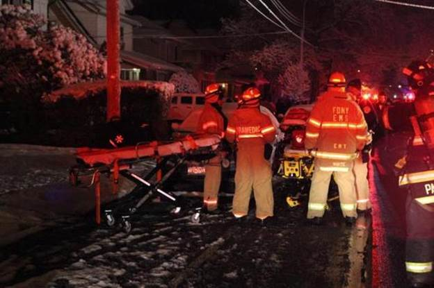 В Бруклине, Нью Йорк, на пожаре погибло семеро детей