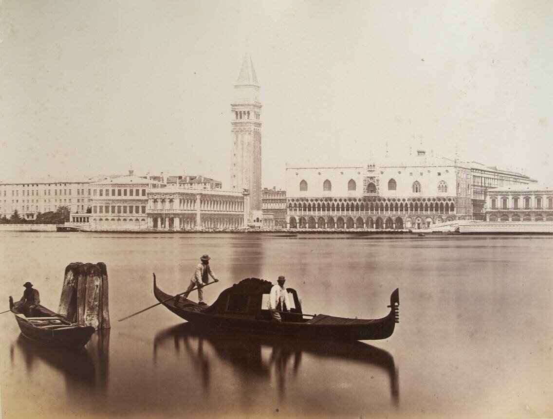 Вид на Библиотеку Марчиана, Кампанилу собора Святого Марка и Дворец Дожей  с острова Сан-Джорджо Маджоре.