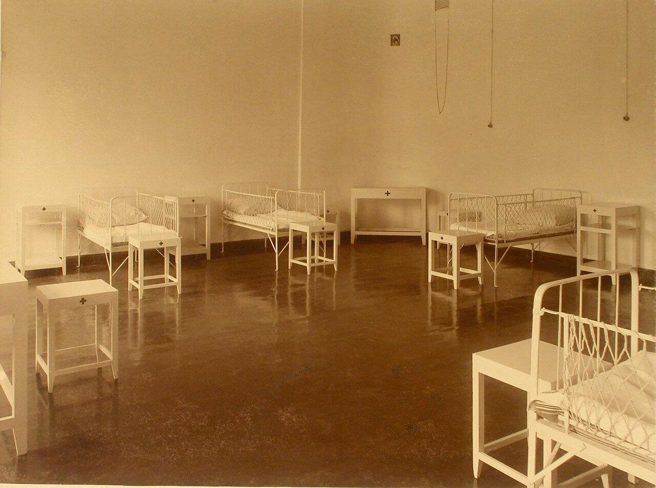 11. Вид палаты в инфекционном отделении общины