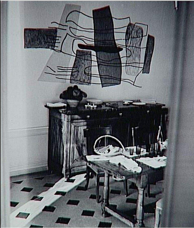 1960. Уголок столовой в доме Канвейлера. Приорат, Санкт-Илер