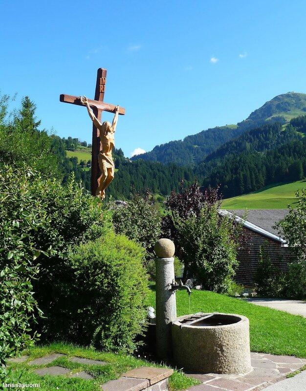 Около церкви. Сёлль. Тироль. Австрия.