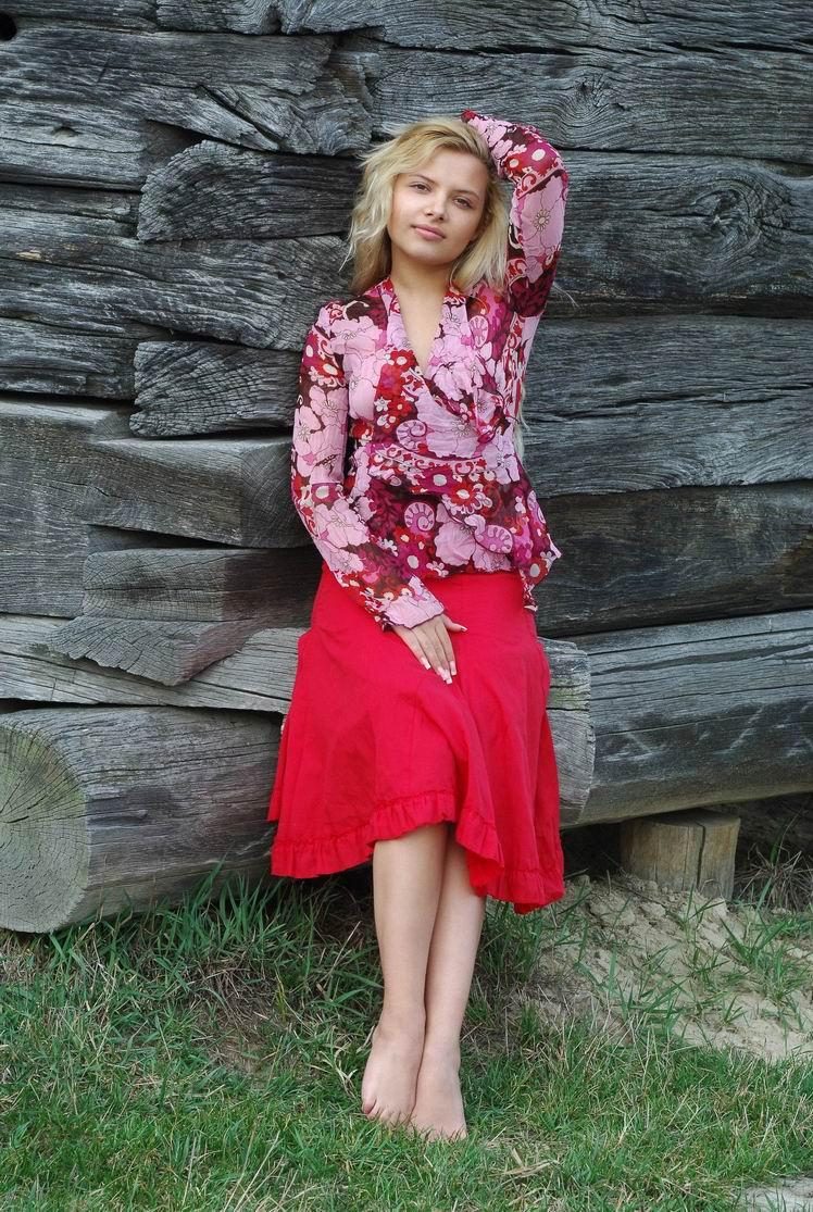 Деревенская девушка (20 фото)