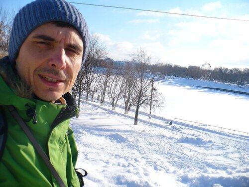 Волга подо льдом. Солнце. Тверь
