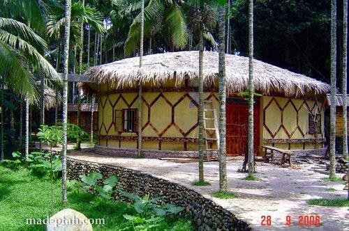 домик в деревне, деревня ли и мяо, хайнань, китай
