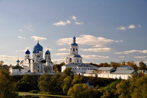 Свято-боголюбский женский монастырь.